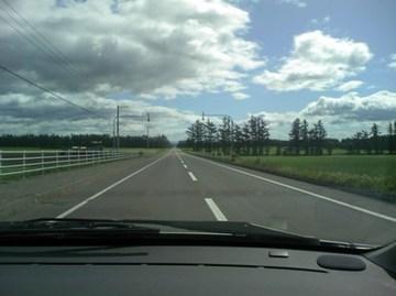 274号線の直線道路