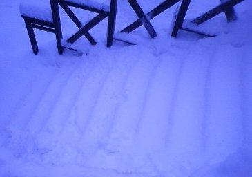 Snow100102